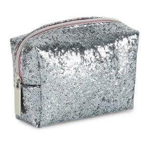 Tri Coastal Bags - 🆕 Beauty & Fashion Mini Kit Silver Purse